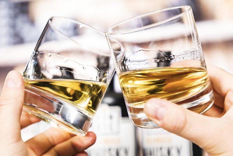 FINRIC Blended Whisky im Tumbler