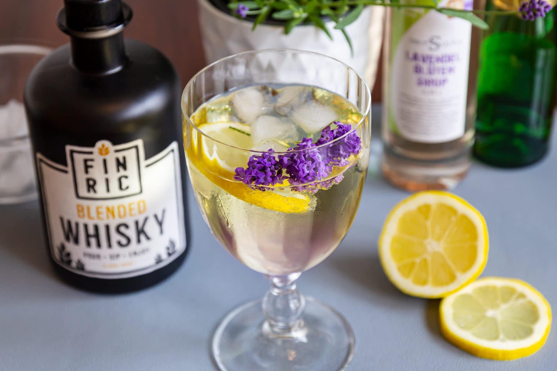 Whiskycocktail, Sommerdrink: FINRIC Lavendel Spritz